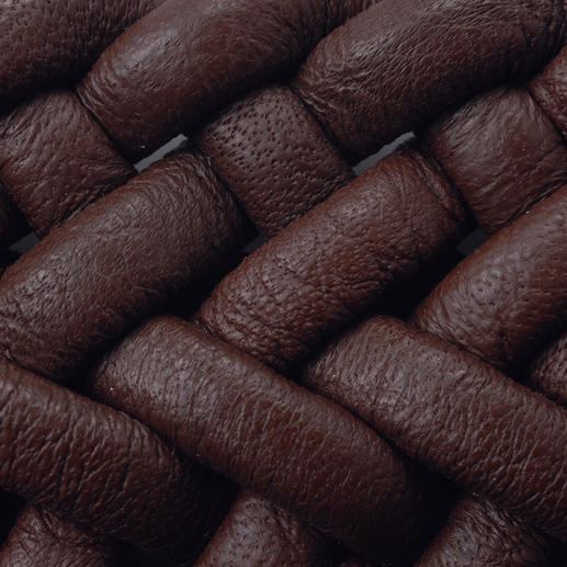 Ceinture en cuir tressé élastique Parfaite pour les tenues décontractées et les costumes d'affaires. Tressée à la main en Espagne par Possum®.