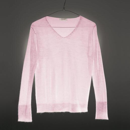 Le pull Cobweb Rare tricot filigrané Cobweb. Aérien, et néanmoins tricoté en forme fully-fashioned.