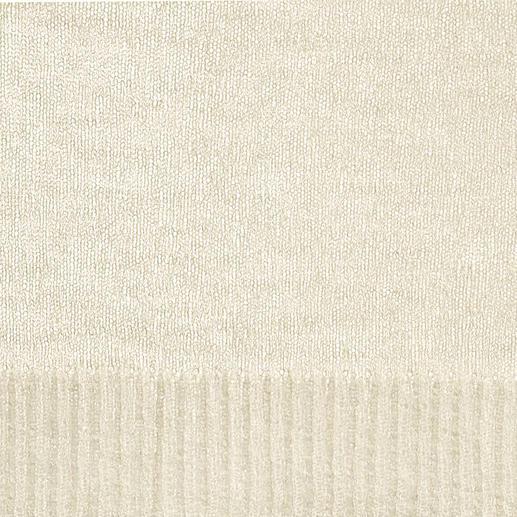 Le pull  « toile d'araignée » Rare tricot filigrané Cobweb. Aérien, et néanmoins tricoté en forme fully-fashioned.