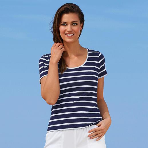 T-shirt marin en lin tricoté Tellement agréable et pourtant difficile à trouver. Très frais et sec les jours de grande chaleur.
