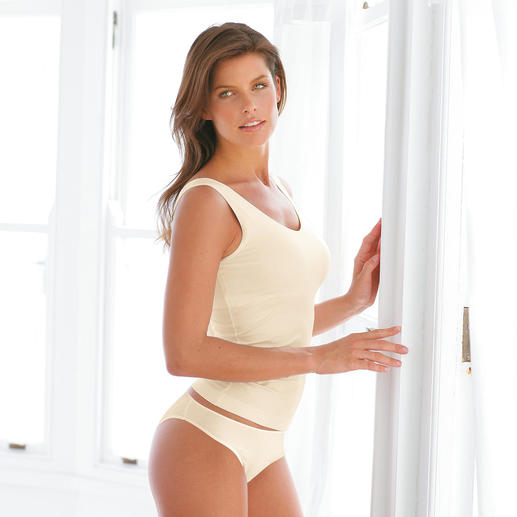 """Lingerie Shelf-Bra Cette lingerie en Meryl® souple et soyeux modèle et maintient grâce au """"Shelf-Bra"""" invisible."""