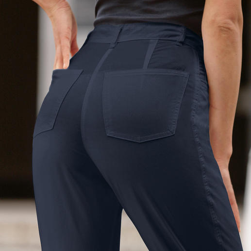Le jean stretch 30 °C Même en plein été. 100 % plus confortable grâce à 2 % d'élasthanne.