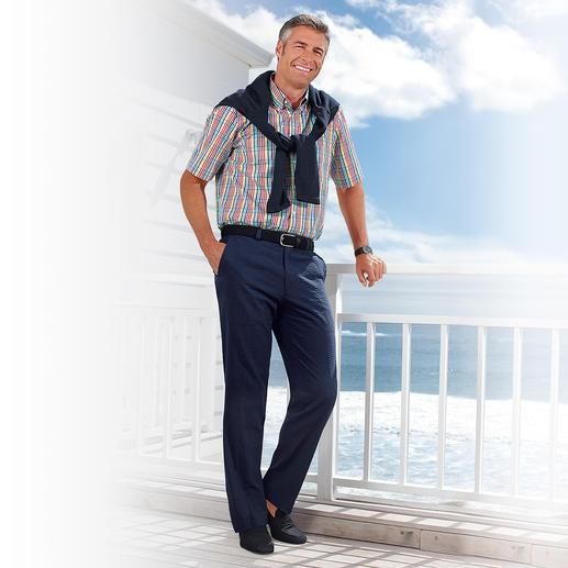 Le pantalon en seersucker Légèreté, fraîcheur et repassage superflu. Le pantalon en seersucker est parfait pour l'été.