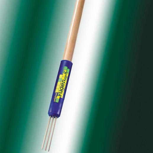 Rallongez votre nettoyeur de joints à l'aide d'un simple manche à balai commercial  – vous travaillerez ainsi plus confortablement en position debout.